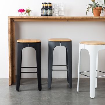 Tabouret de bar en frêne et polypro Up-High Zuiver