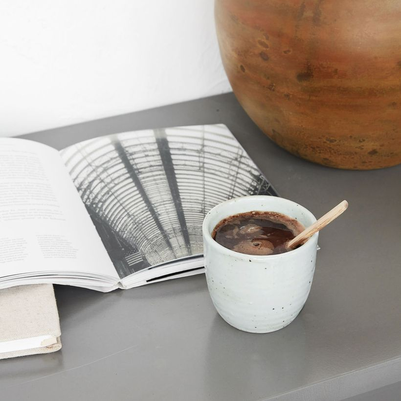 Tasse en porcelaine ivoire Made House Doctor
