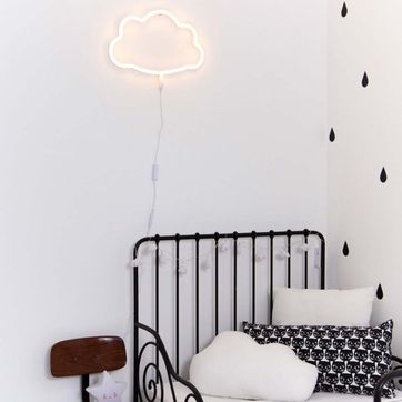 Applique murale enfant Nuage néon blanc A Little Lovely Company