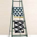 Plaid en coton motif triangles Remix Menthe Ferm Living - 120x150cm