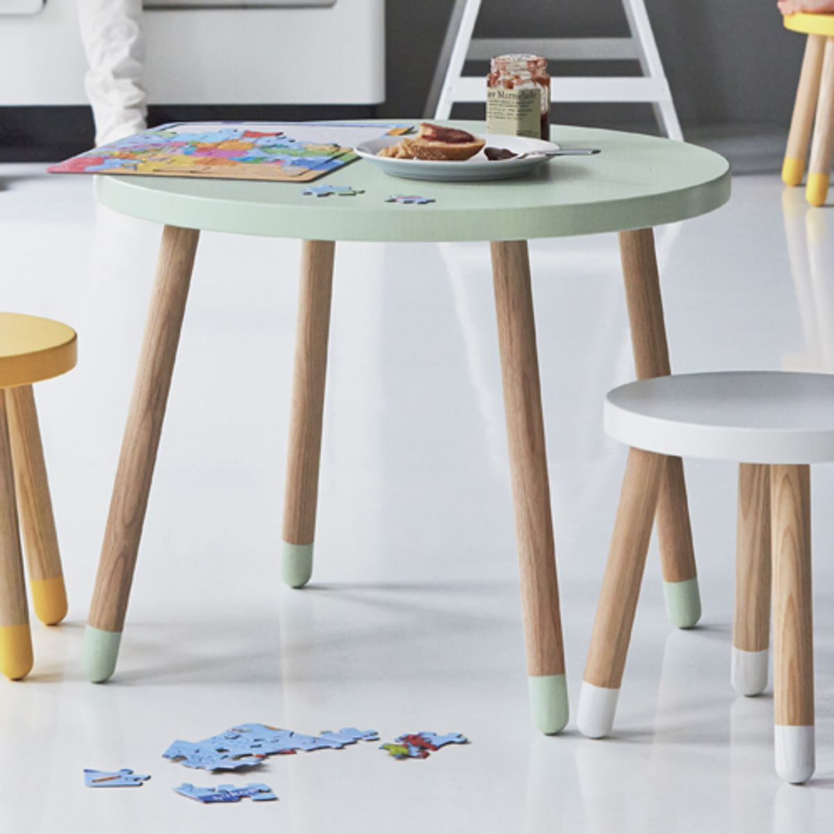 table ronde en bois pour enfant flexa play vert menthe. Black Bedroom Furniture Sets. Home Design Ideas