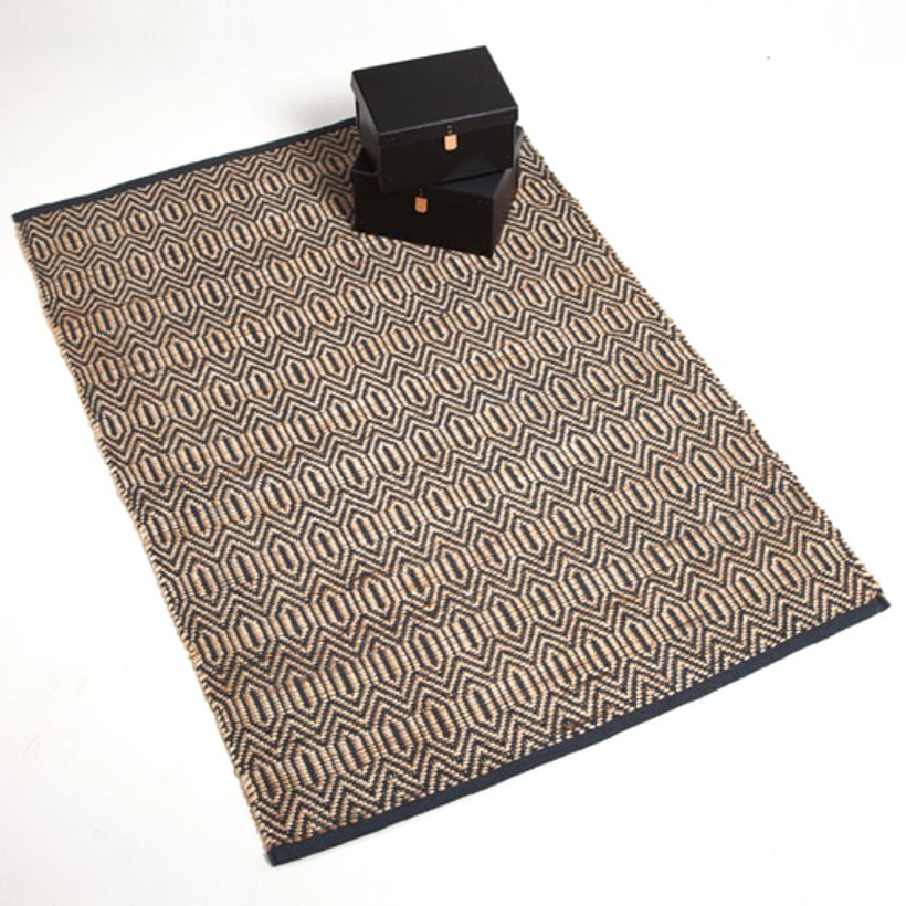 tapis en jute naturelle tiss main bleu decoclico. Black Bedroom Furniture Sets. Home Design Ideas